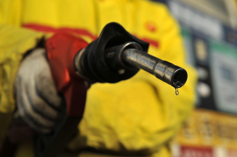 油价调价窗口时间_端午节前,油价调价窗口再开启 机构预测将四连涨