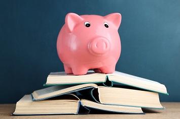 如何保卫你的钱袋子?专家:买QDII 配置美元资产