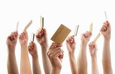 22人买身份证信息骗领信用卡328张 消费446万获刑