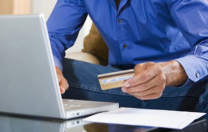 """信用卡刷卡手续费""""上不封顶"""" 部分商户违规让消费者买单"""