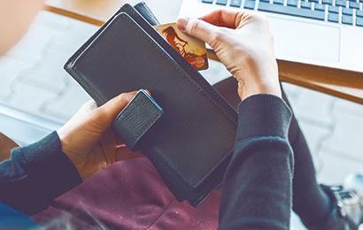 信用卡告别冲量时代:部分银行员工锐减50%