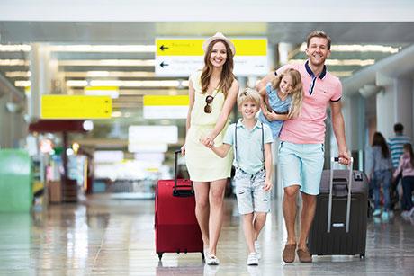 国庆出游抢票,这些信用卡购火车票可省不少钱