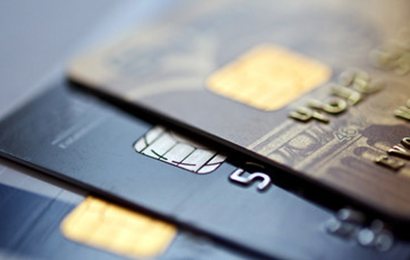 """部分银行管控信用卡""""涉房交易"""":单月限额低至3万"""
