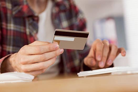 信用卡的三个额度和两笔费用是什么鬼?