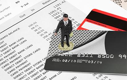信用卡逾期多久会被抓?信用卡无力偿还的解决办法