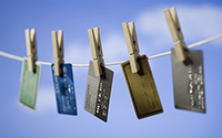 银行内部人士:审批信用卡,只看征信报告这三个点
