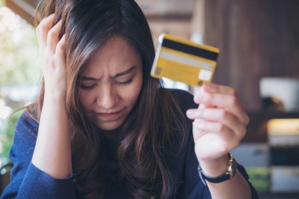 信用卡封卡降額,不怪銀行怪你自己,看看人家怎么用卡的