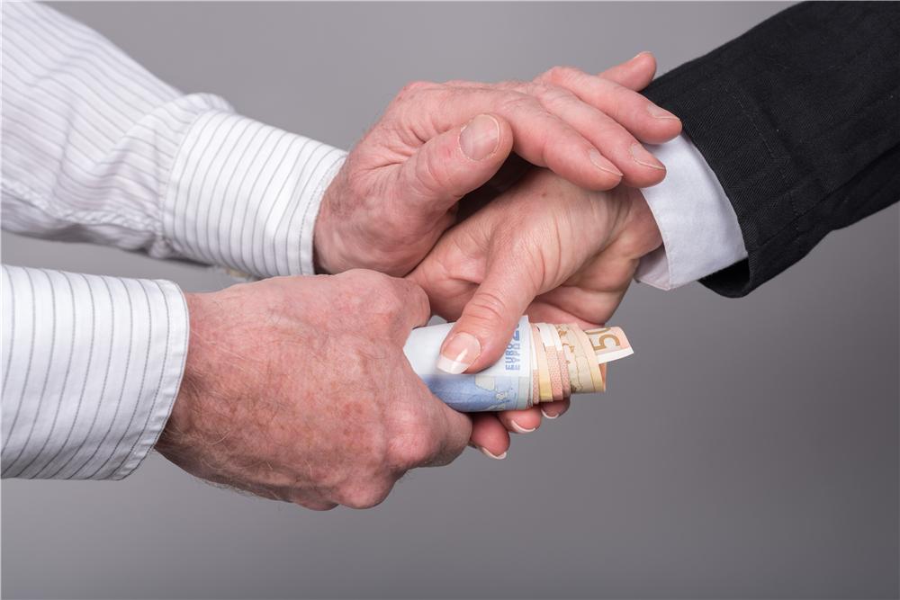信用卡这7种用法方式会让你损失极大,你还要这样用吗?