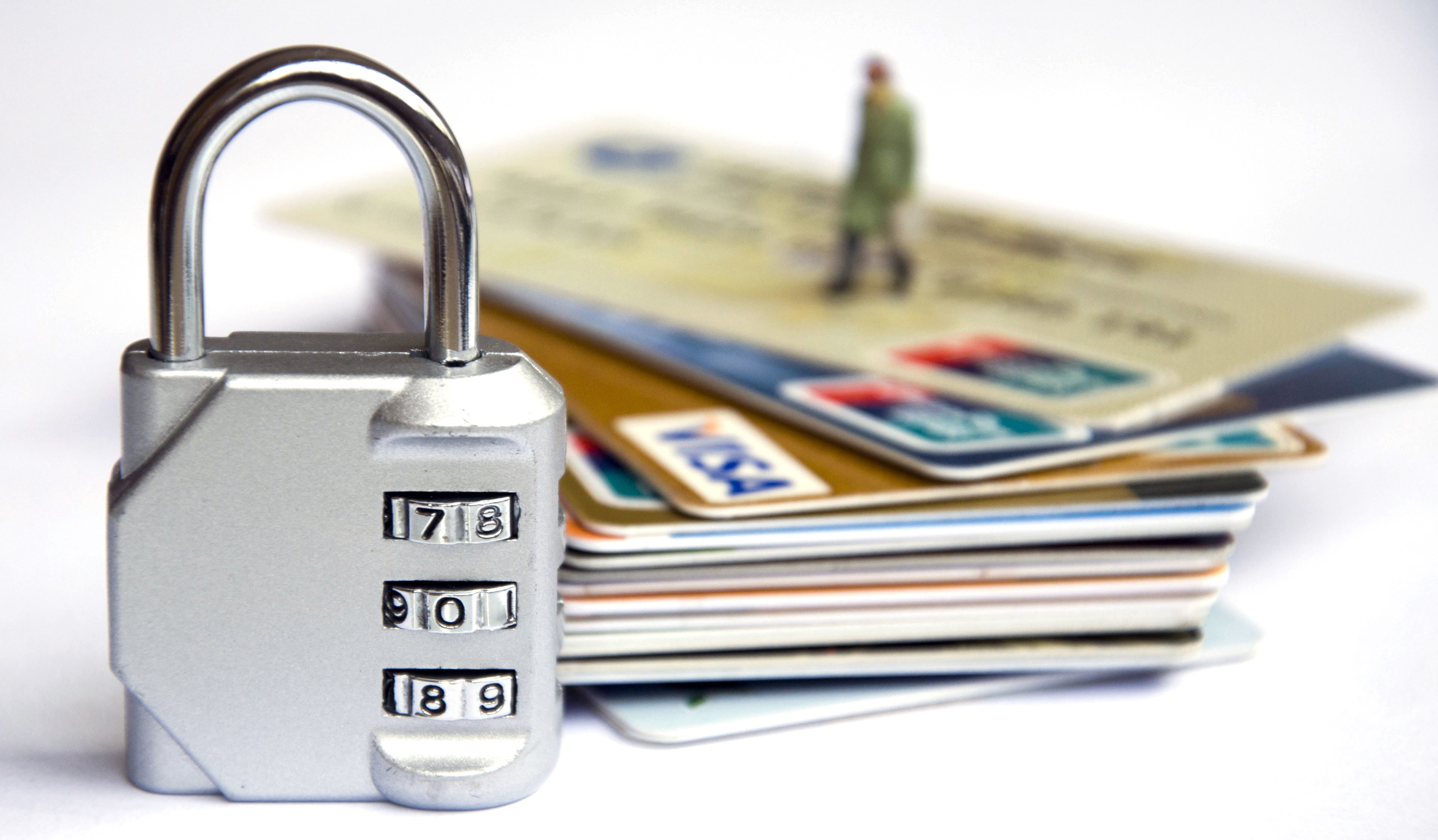 招商银行信用卡怎么快速提额,实战经验最具有说服力!
