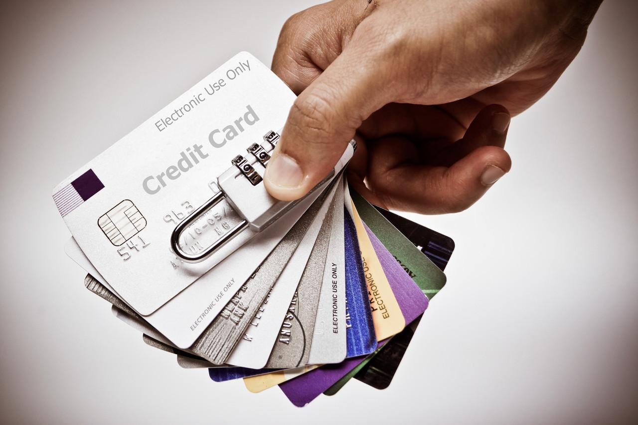 【車易貸網】為什么有些人信用卡逾期也沒被起訴?原因竟然是這個!