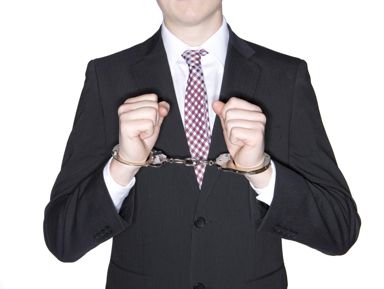 《返利網靠不靠譜啊》欠了哪些網貸平臺的錢未還會被起訴?會坐牢嗎?